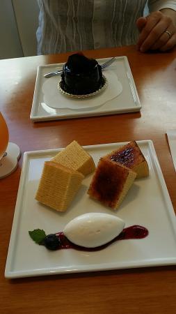 Frau Atsuko Kayashina Cafe