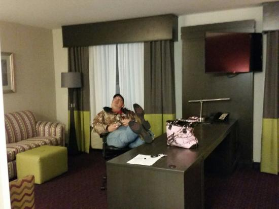 Hampton Inn Buffalo-Airport/Galleria Mall: 20160216_210520_large.jpg
