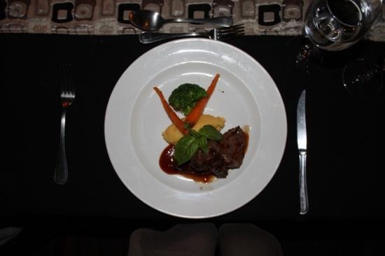 Impodimo Game Lodge: Springbok fillet - fine dining in the bush
