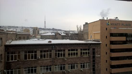 Erebuni Hotel: Вид из номера 802