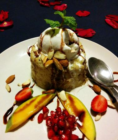 Cafe Nu: Banana Bread Pudding