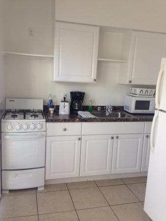 Küche mit Gasherd und riiiesen Kühlschrank - Bild von Birch ...