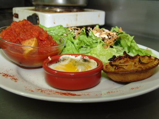 Bar-Restaurant les Pietonnes: Une Salade du Jour...