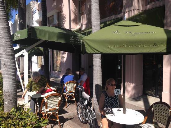 La Provence 41st Street: patio