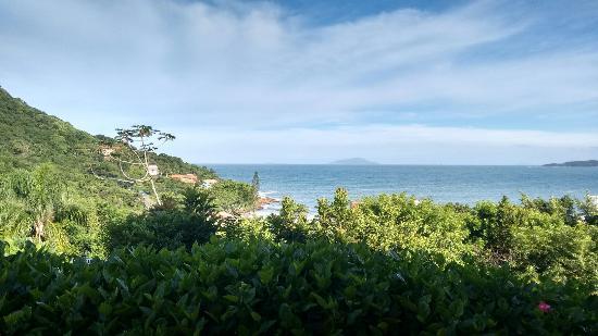 Pousada do Arvoredo: Vista panorâmica direto da pousada, caminho até a rua que vai para praia