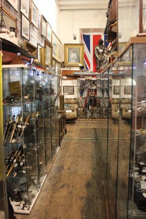 Antiques Storehouse:: Headgear, parade daggers, uniform kit and more