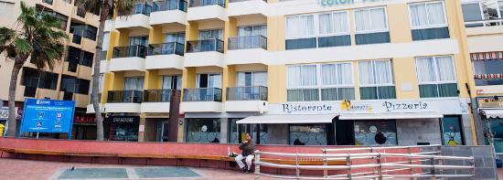 Apartamentos Colon Playa: Bilden är tagen från stranden.