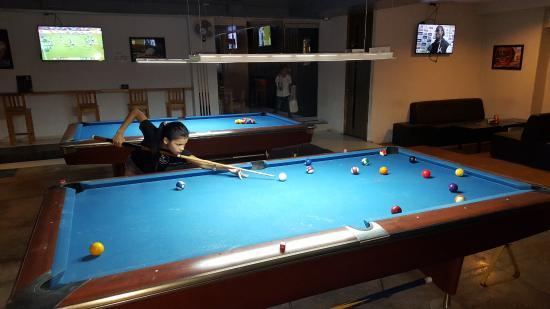 pool tables picture of semi final sports bar cebu city tripadvisor rh tripadvisor com ph