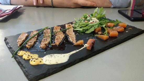 Tomate Negro Grill & Bar