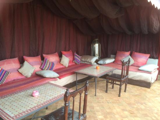 Riad El Zohar: So many lovely areas to relax - rooftop terrace