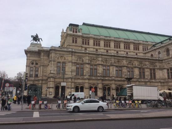 Staatsoper picture of historic center of vienna vienna for Tripadvisor vienna