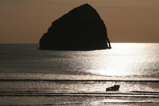 Cottages at Cape Kiwanda: View from the deck, Haystack room and Dory boat.