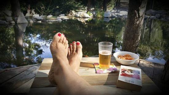 Twin Peaks, Kalifornia: Cancel busy at Cedar Creek Pond.