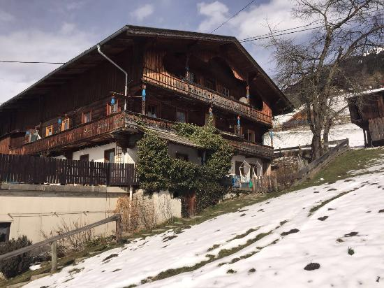 Bluebird Mountain Lodges: photo0.jpg