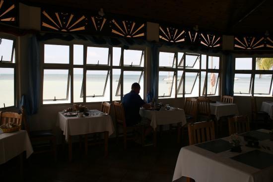 Beach Villa Seychelles : Frühstücken am Strand