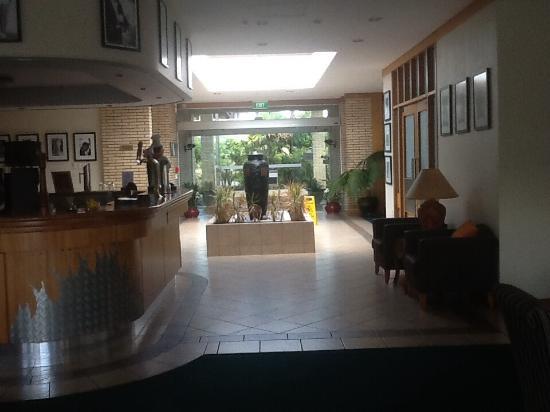 Flames International Hotel: Reception