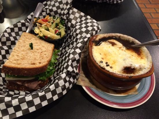 Vintage Cafe and City Deli: Trio special for lunch!