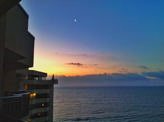 dawn breaks at ocean reef resort picture of ocean reef resort rh tripadvisor com