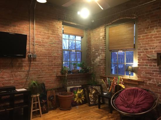 Sweet Peas Hostel: Common lounge area