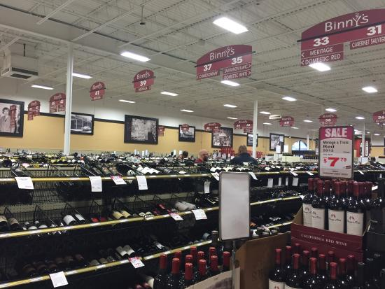 Binny's Beverage Depot: Huge selection