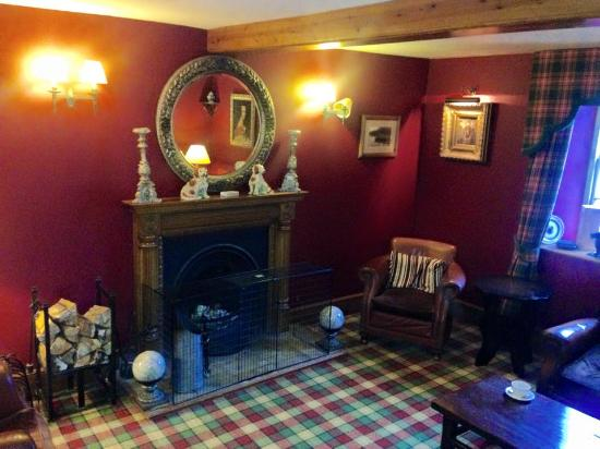 Garth Hotel & Restaurant : The lounge