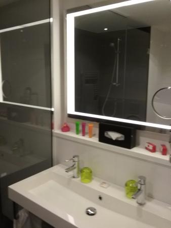 Salle de bain - Picture of Thon Hotel Eu, Brussels - TripAdvisor