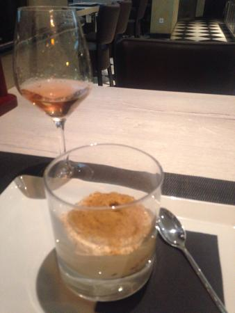 Mediterraneo 1930: Dessert: coffee mousse/crushed gingerbread. Gorgeous!