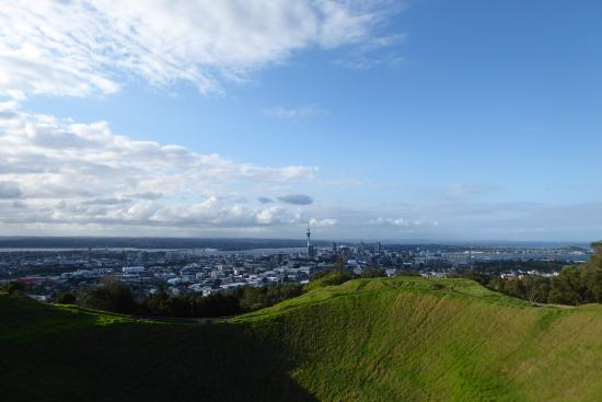 Mount Eden: At the top of Mt Eden