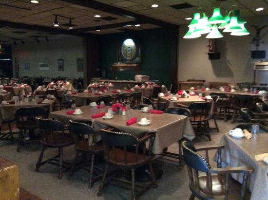 Denison, IA: Another nice room of Cronks