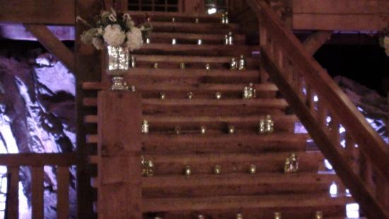‪‪The Red Lion Inn Resort 1704‬: stairs in the big hall‬