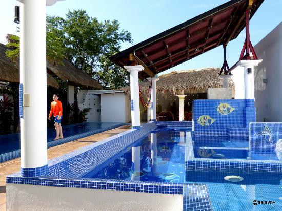 Villa Lili: Underwater Living Room
