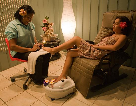 Spa at Barefoot Cay: pedicures and manicures