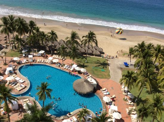 Emporio Ixtapa: We just return from a weeks stay at the Emporio. Great place
