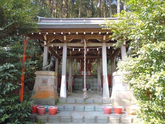 Hakuseki Inari Shrine