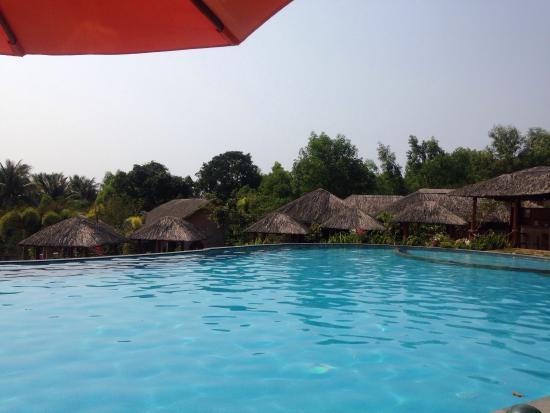 Pool - Daisy Resort Photo