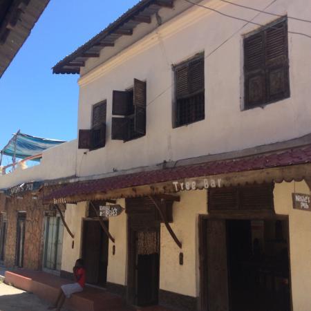 Poa Poa Restaurant : Streetview Poa Poa