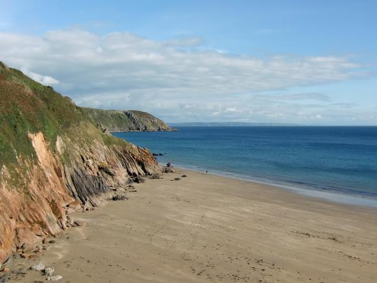 Gorran Haven, UK: From the beach looking east.