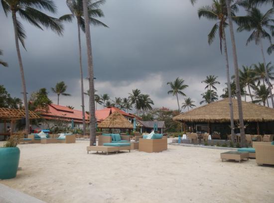 แหลมเส็ต, ไทย: Restaurant, Pool & Beach area - newly refurbish