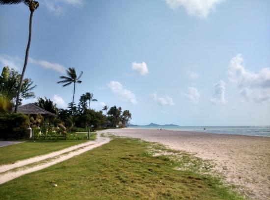 แหลมเส็ต, ไทย: Beach area heading towards Shiva Samui's restaurant & pool area