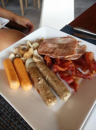 Laem Set, Tailândia: Ham + chicken sausages + pork sausages + bacon