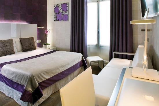 Hotel des Arceaux: Chambre Supérieure n° 102