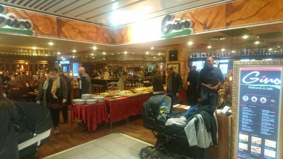 Cafe Gino: Rigtig god buffet, fantastisk personale som skaber en god oplevelse