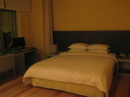 โรงแรมบลูเพิร์ล: เตียง