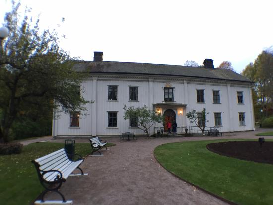 Alsters herrgard - The memorial estate of Gustaf Froding: บริเวณด้านหน้า