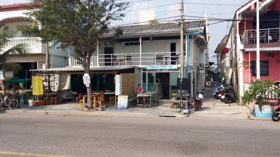 Thur Hostel Ao Prachuap