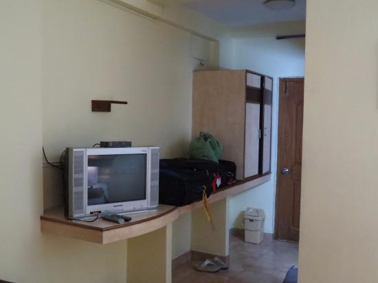 Sun Sea Resort : Room TV