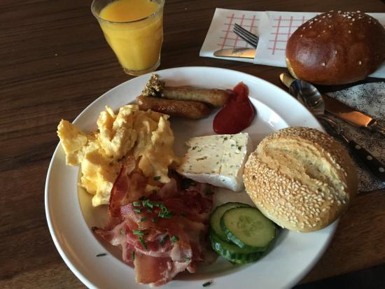 Breakfast buffet\