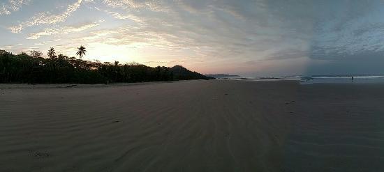 Shaka Beach Retreat: IMG_20160306_055851723_large.jpg