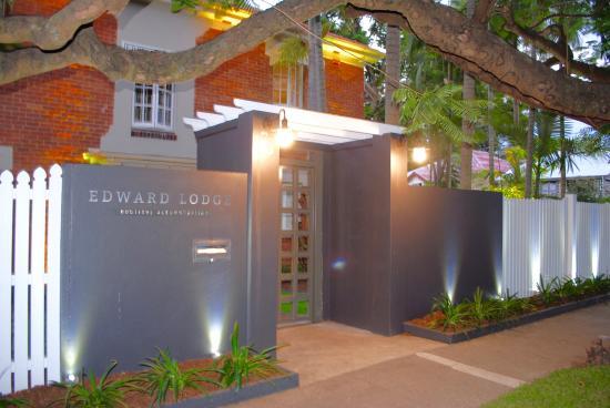 Edward Lodge: Street view Sydney Street New Farm