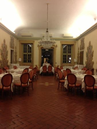 La sala grande picture of ristorante borgo antico for Sala grande